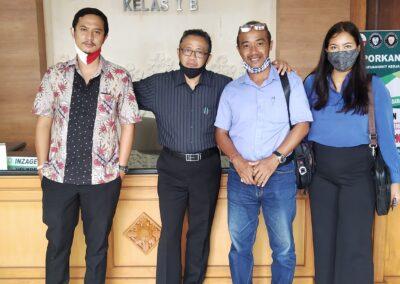 Foto Tim Advokat Sari Law Office saat sidang di Pengadilan Negeri Gianyar