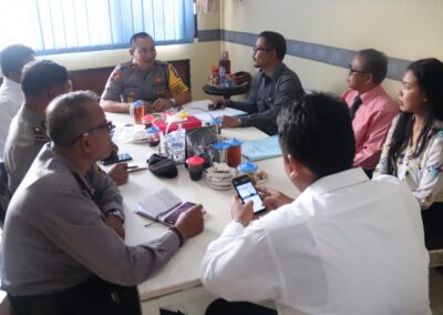 Foto Tim Advokat Sari Law Office saat Rapat koordinasi terkait pelaksanaan eksekusi bertempat di ruang Kabag Ops Polresta Denpasar